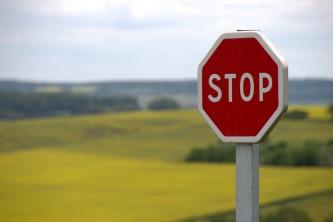 stop-634941_960_720[1]